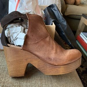 Free People Amber Orchard Clog (39.5 - RUN SMALL)